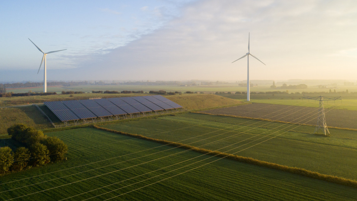 Már Veszprémben is gyűlnek a napelemparkok: 21 új erőművet adtak át