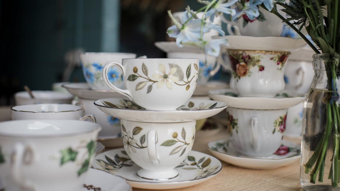 Soha nem látott herendi porcelánokat mutatnak meg Győrben