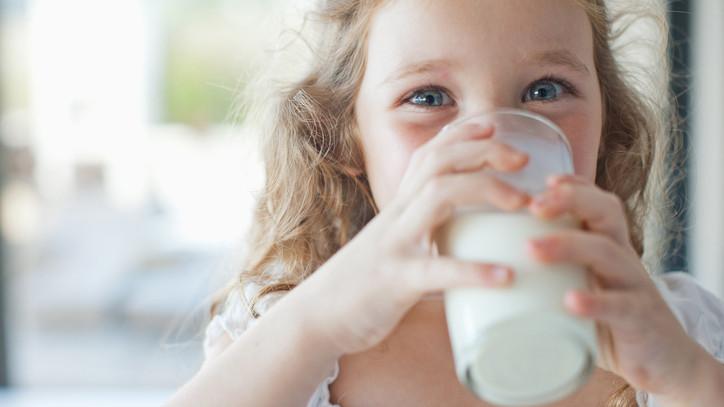 Elstartolt a tejfogyasztást népszerűsítő kampány: ezek lesznek az iskolai roadshow állomásait