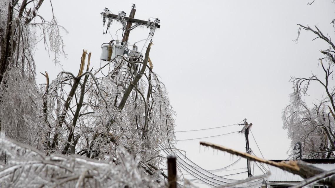 Kritikus a helyzet vidéken: rengetegen maradtak áram nélkül a fagy miatt