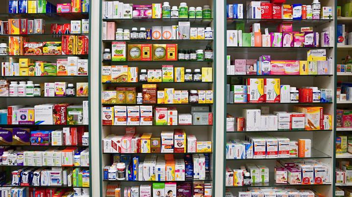 Egyszerűbb lesz a gyógyszerek átvétele: így módosítják az e-receptek kiváltásának szabályait
