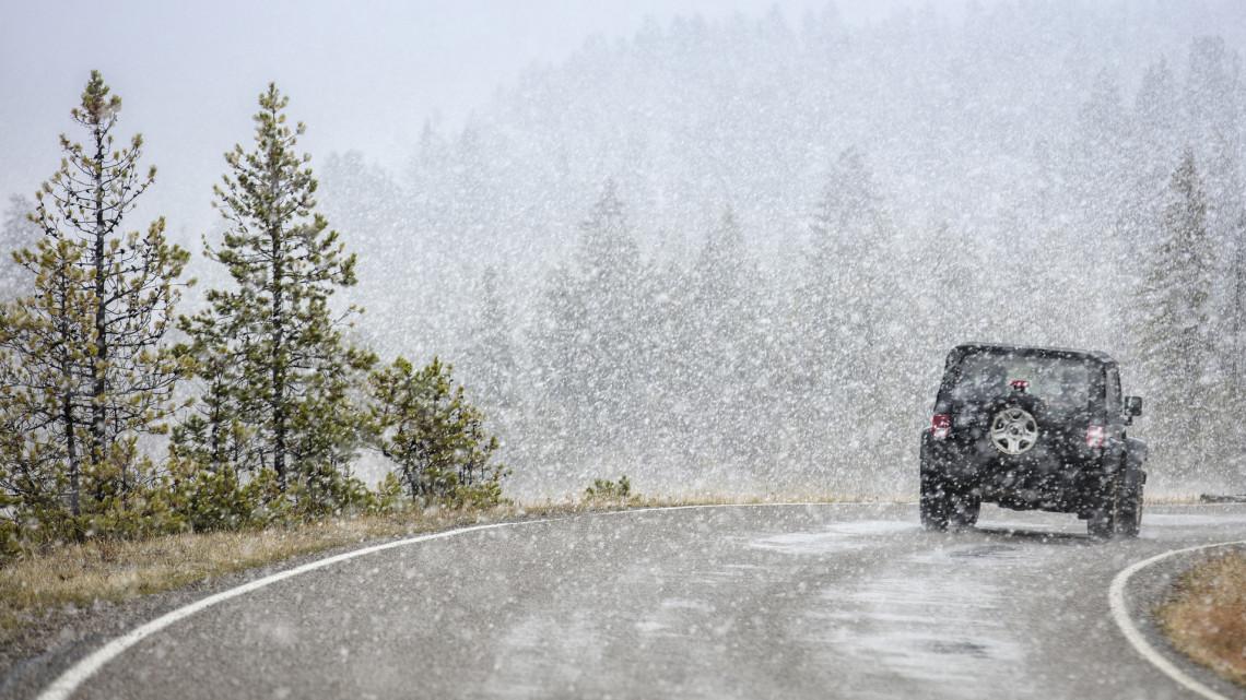 Szakad a hó a Kékestetőn: így borítja be az egész tájat