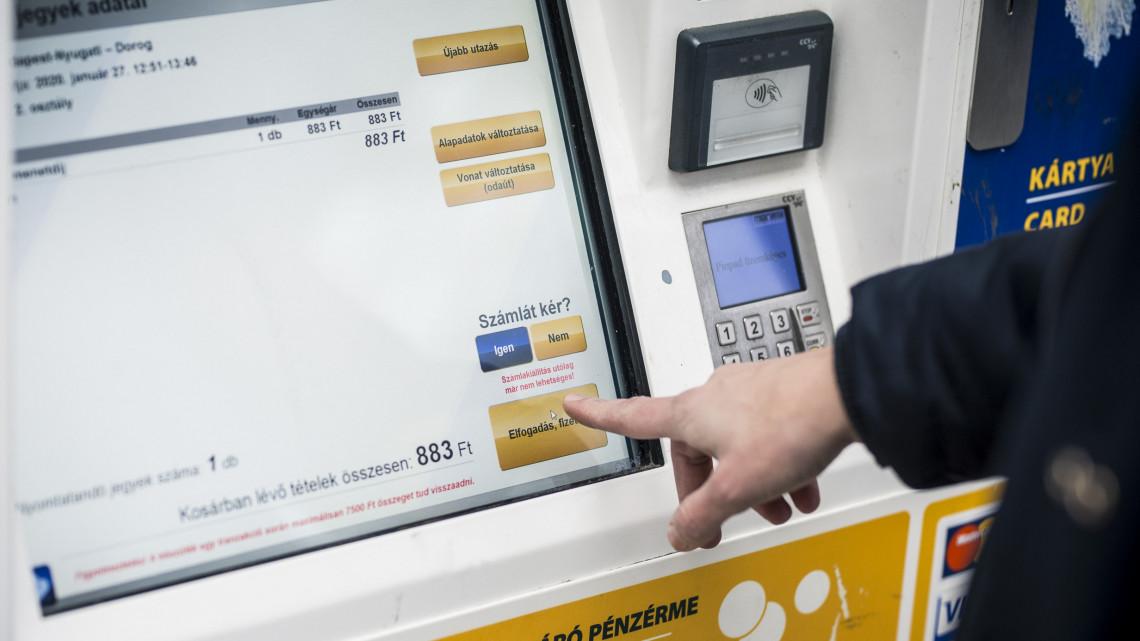 Megtriplázza jegykiadó automatáit a MÁV: itt lehet majd használni őket