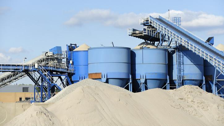 Sikeresen zárták az elmúlt évet: hatalmasat kaszált a királyegyházi cementgyár