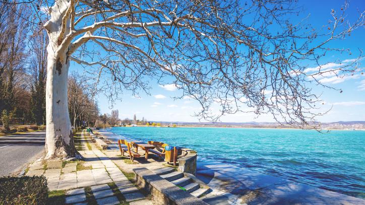 Megkezdődött az építkezés: új vitorláskikötőt kap Balatonfüred