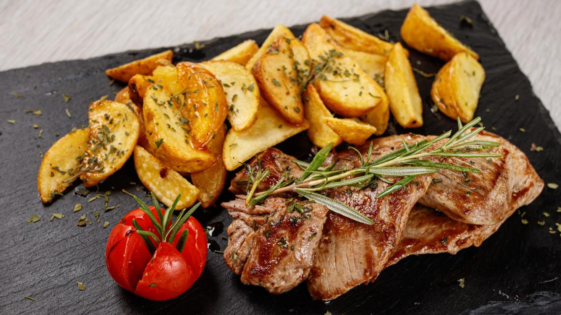 A tökéletes steak burgonya készítése - steak burgonya recept: steak burgonya serpenyőben, sütőben