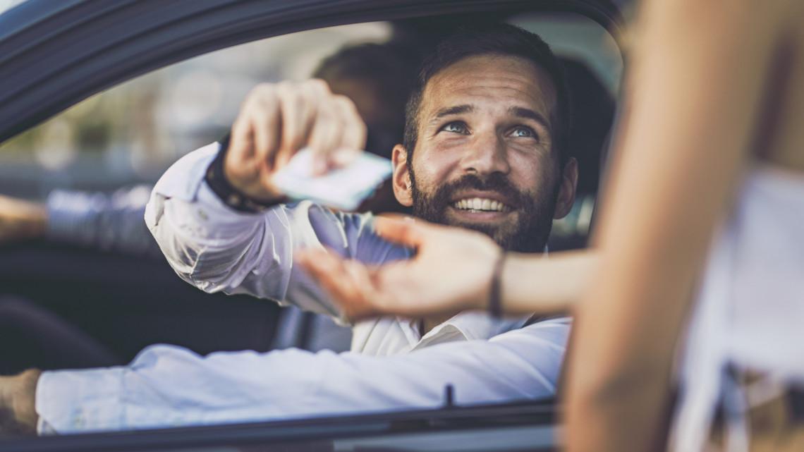 Autósok figyelem: fontos határidő jár le holnap