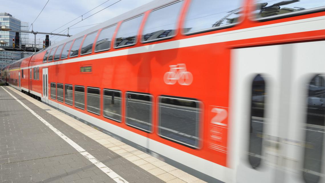 Hatalmas újítás a vasúton: márciustól utazhatunk az emeletes vonatokon