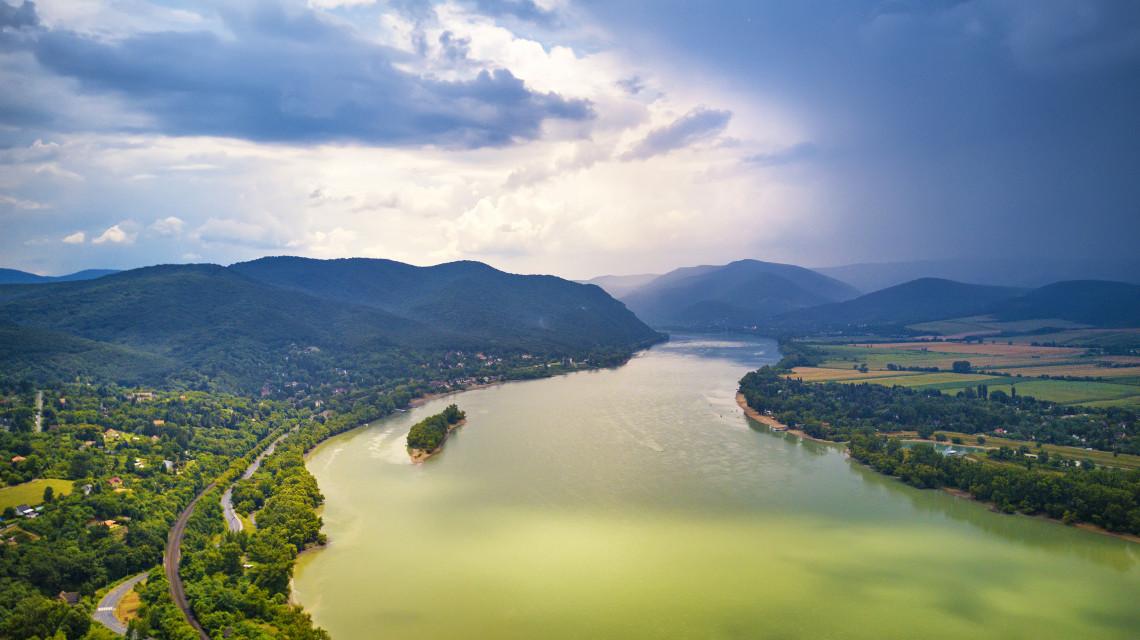 Jó lesz felkészülni az árhullámra: több méterrel emelkedik a Duna vízszintje