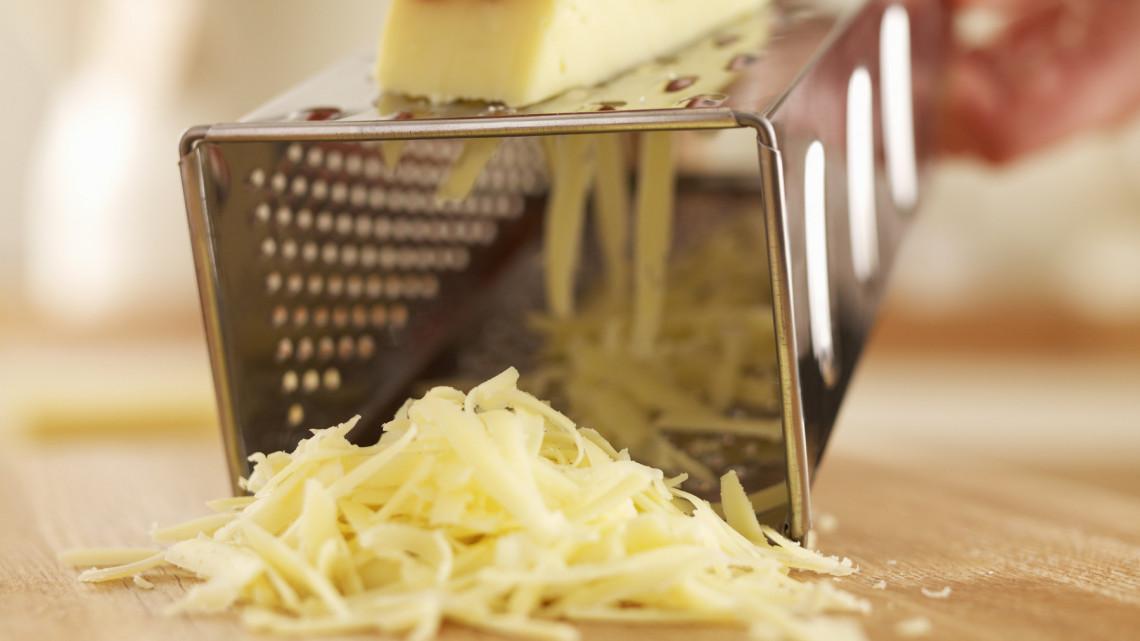 Ezért tűnik el a boltokból a népszerű sajtfajta: szigorú szabályok jönnek