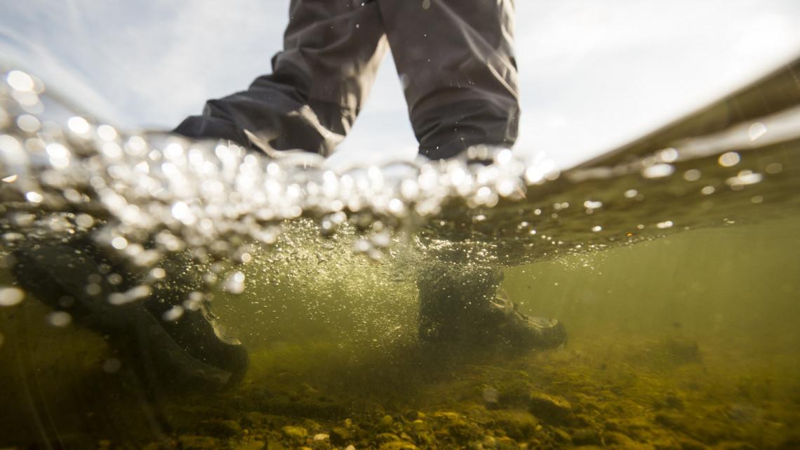 Az Ipolyban köthet ki a veszélyes anyag: egy szlovák patak már tele van vele
