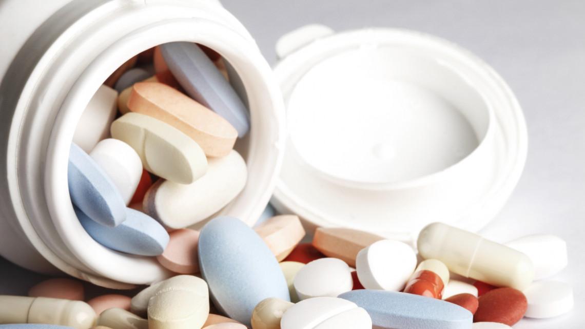 Gigaberuházás Szolnokon: letették a gyógyszergyár új üzemének alapkövét