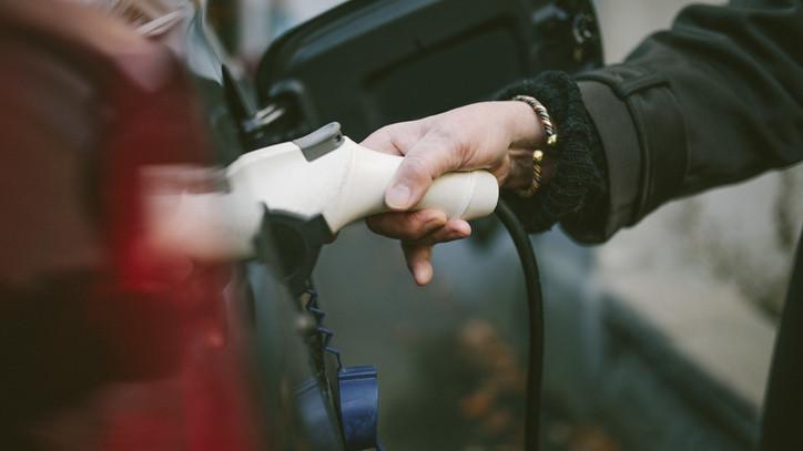 Kibővítették a támogatási programot: 5 ezerre nőhet az eladott e-autók száma