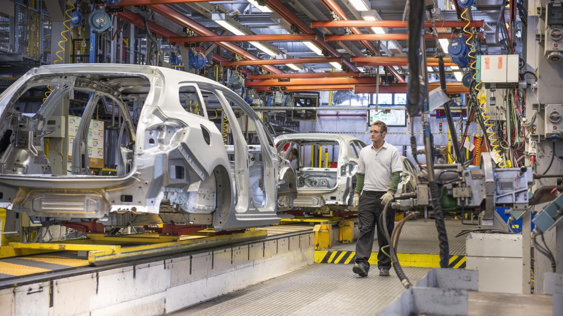 Ilyen a közoktatás a kecskeméti Mercedes-gyár árnyékában: tudnak valamit?