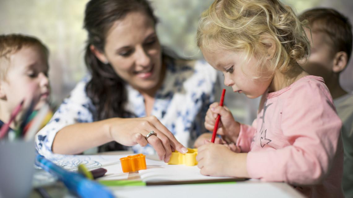 Hatalmas segítség a Tolna megyei szülőknek: bölcsődék épülnek