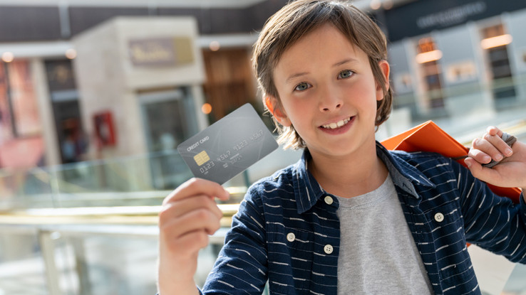 Egyre több a fiatal ügyfél: a legtöbb középiskolásnak már van bankkártyája