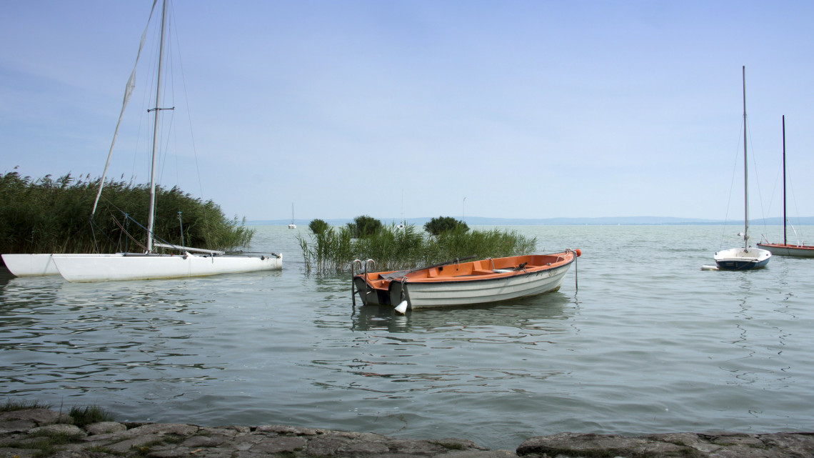 Felpezsdül az élet a Balatonon: pünkösdkor indul az idei hajózási szezon