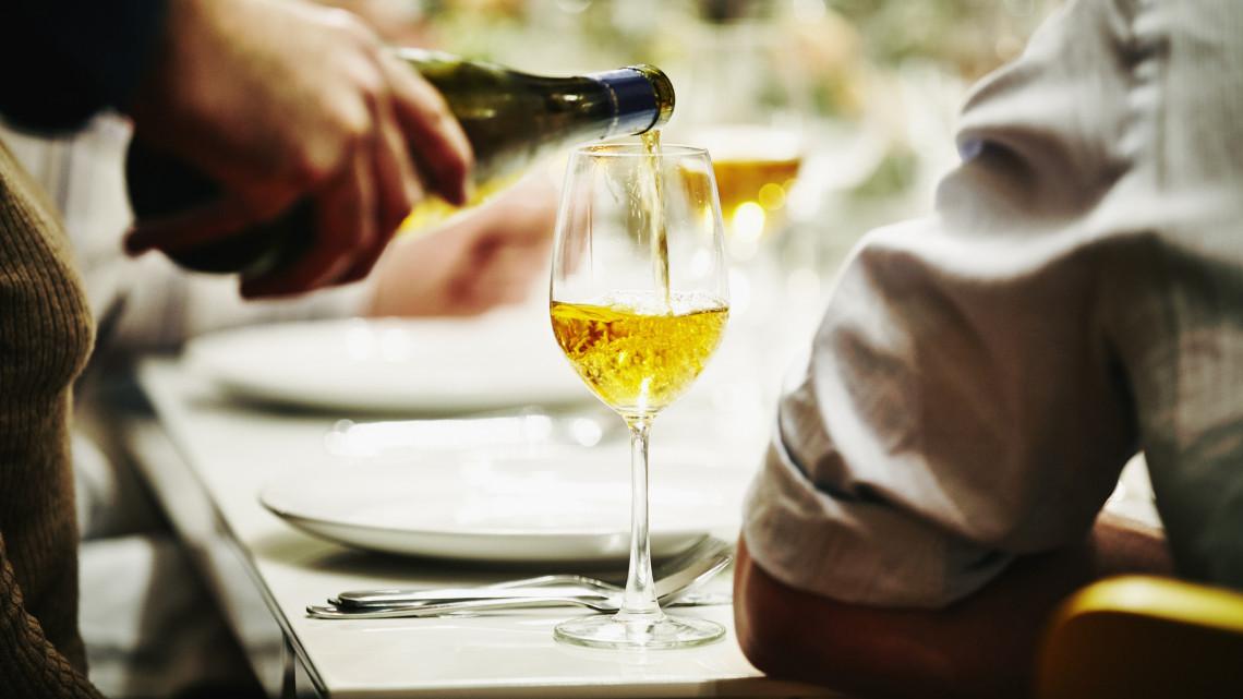 Hatalmas összeggel támogatják a borpiacot: így lehet pályázni