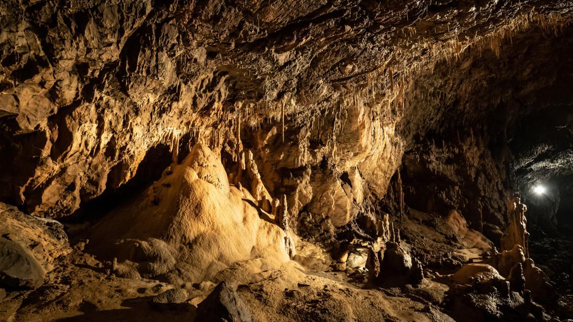 Hihetetlen kincseket találtak magyar barlangokban: megérte a sokmilliárdos beruházás