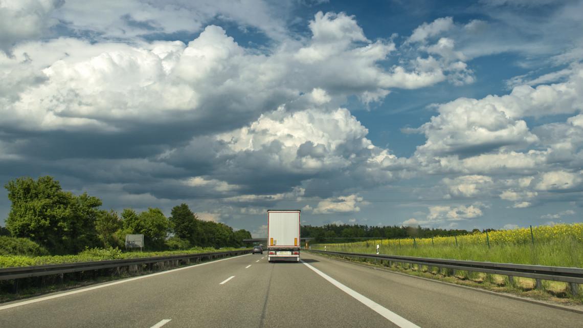 Új autópálya épülhet az ország déli részén: régóta vártak erre a határ menti autósok