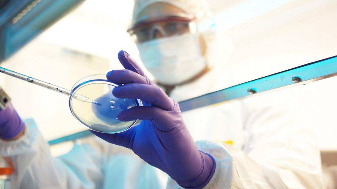 Pozitív lett a teszt: koronavírusos beteget vittek kórházba Nyírábrányból