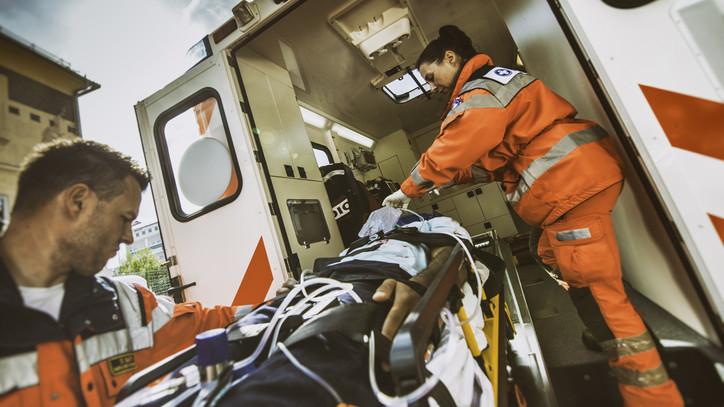 Koronavírus-járvány: eddig 15 ezer betegnek nyújtottak segítséget a mentődolgozók