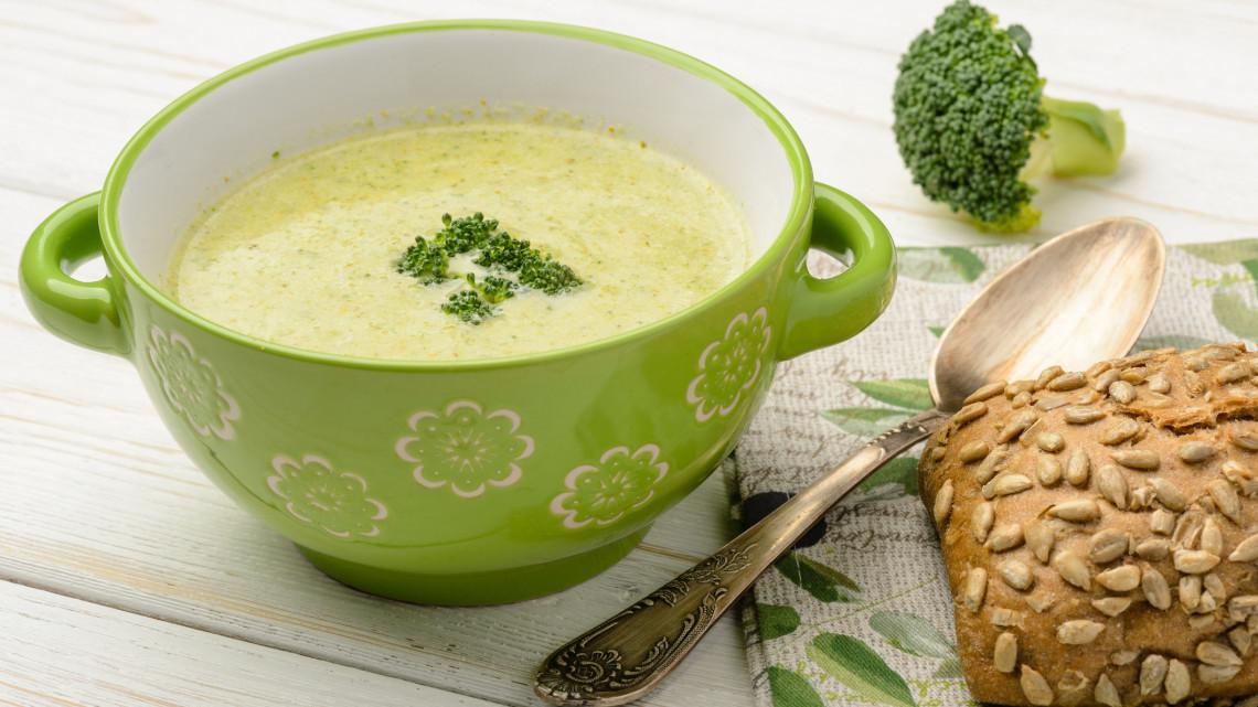 Hogy készül az igazi brokkoli krémleves? Brokkoli krémleves recept tejszínnel, brokkoli krémleves tejszín nélkül