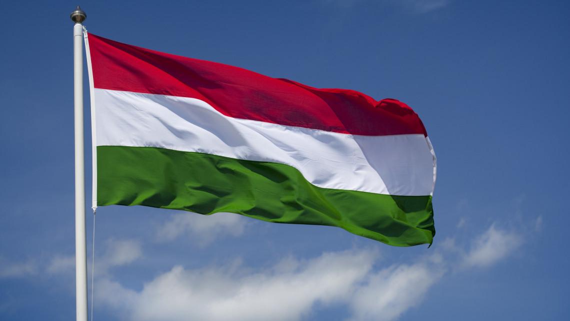 Orbán bejelentette: felfüggesztik a hitelek törlesztését év végéig