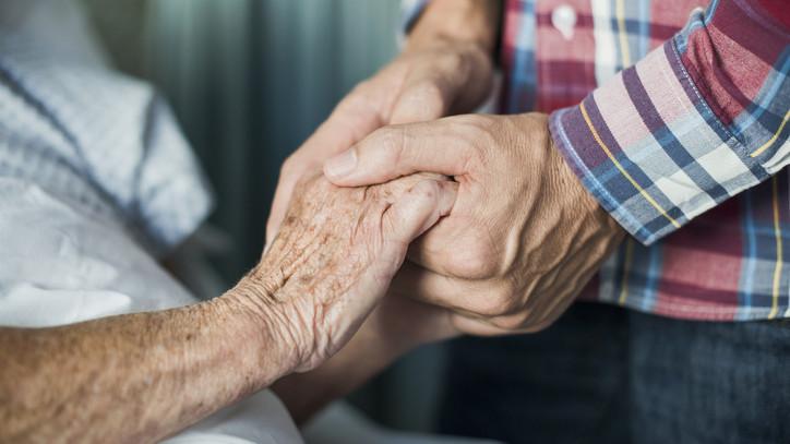 Ételkiszállítással segítenek: nem hagyják magukra az időseket