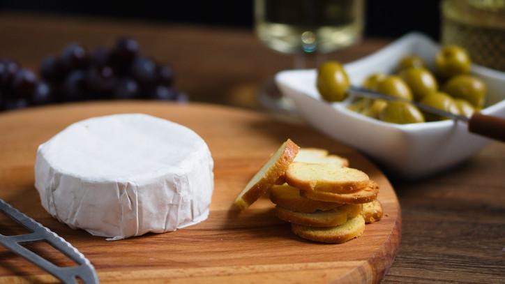 Hermelin sajt, a tökéletes sörkorcsolya: Nakladany hermelin recept otthonra