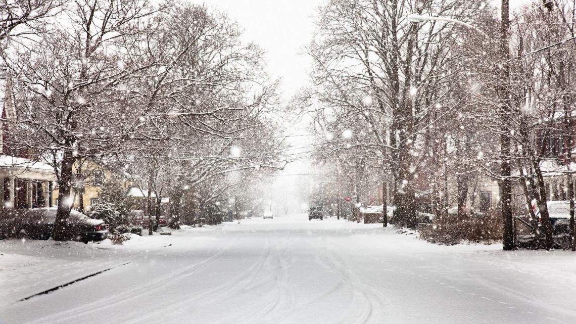 Újra itt a tél: az országban több helyen szakad a hó