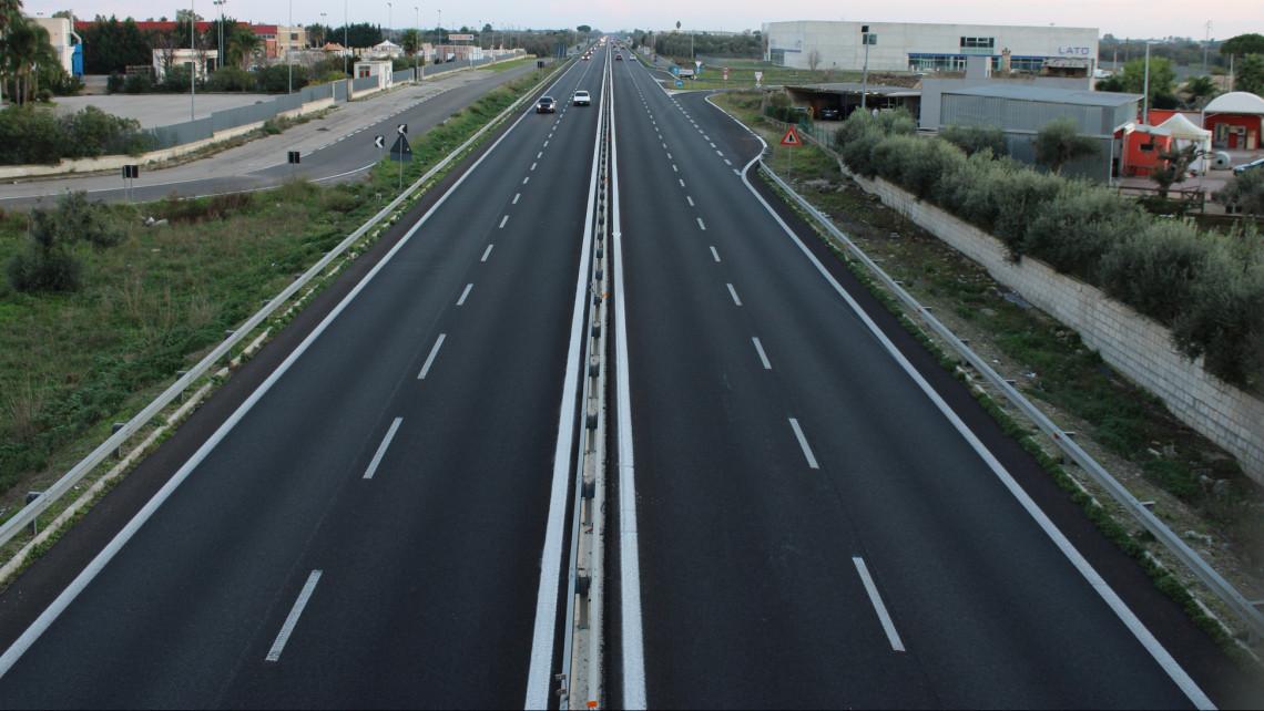 Autósok figyelem: változik a közlekedés az M1-es autópályán a koronavírus miatt