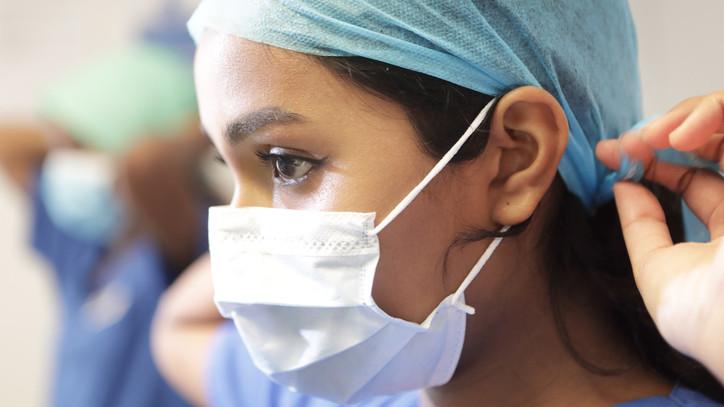 Bejelentette a kormány: egészségügyi szállítmány érkezett Kínából