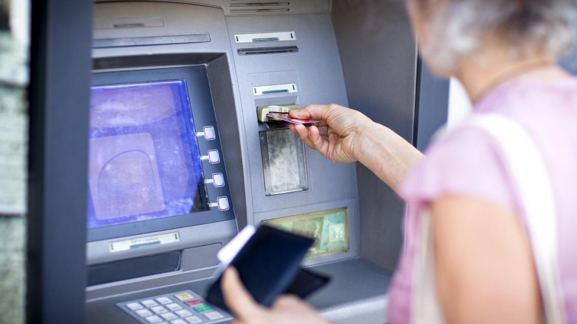 Koronavírus: rengetegen jelezték már a bankoknak, hogy tovább fizetik a hiteleiket
