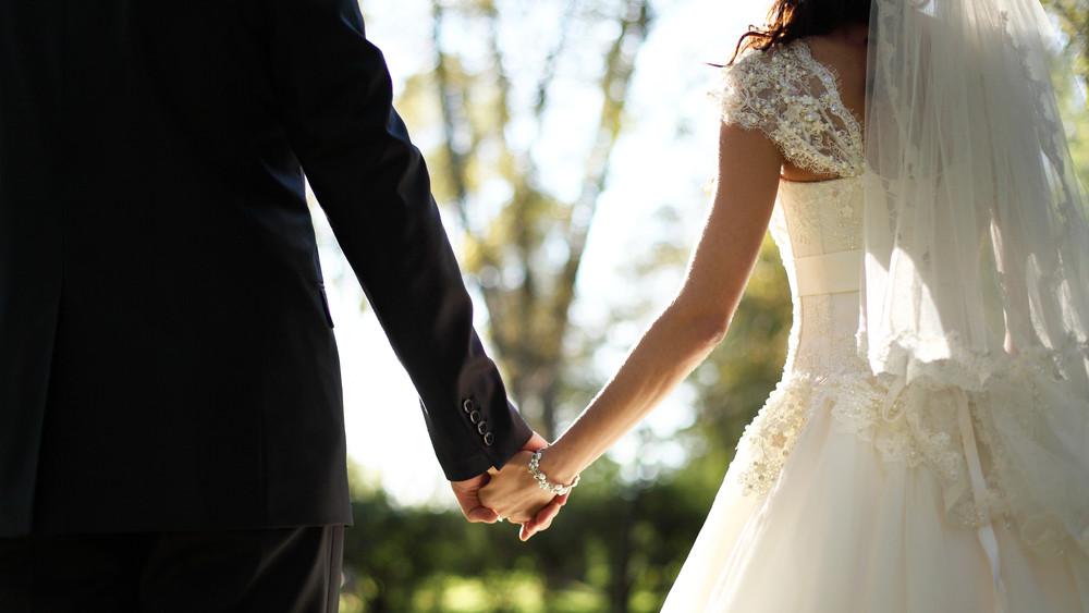 A koronavírus sem lehetett akadály: hétvégén házasodott meg a polgármester