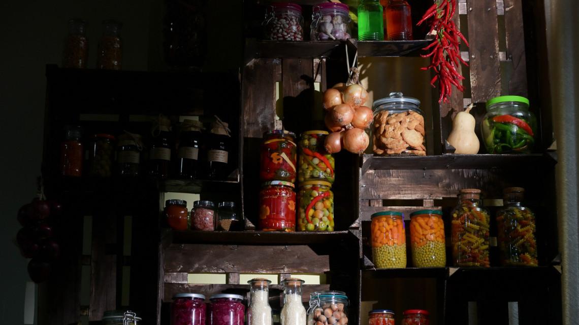 Te is így tárolod otthon az élelmiszereket? Sokat spórolhatsz ezekkel a trükkökkel