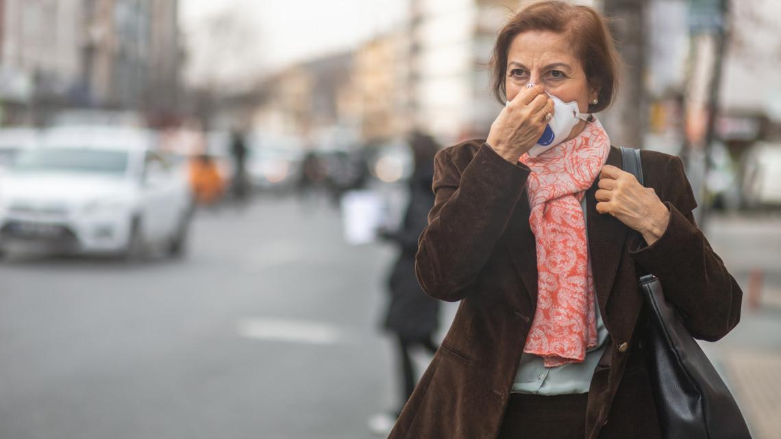 Koronavírus: újabb 484 magyar állampolgárnál mutatták ki a fertőzést