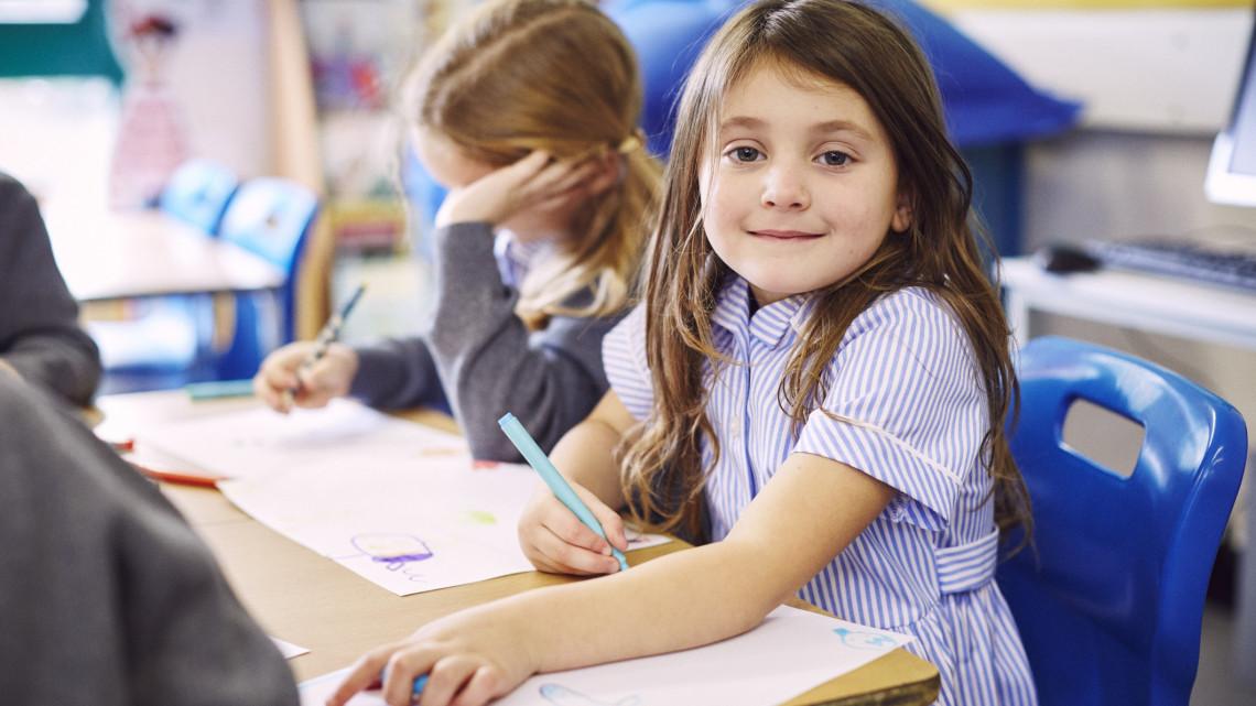 Szülők figyelem: változik az iskolai beiratkozás a koronavírus miatt
