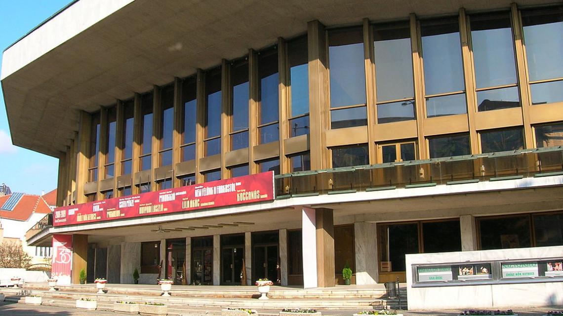 Lebontás lehet a győri színház sorsa: a polgármester szerint csak rontja a városképet