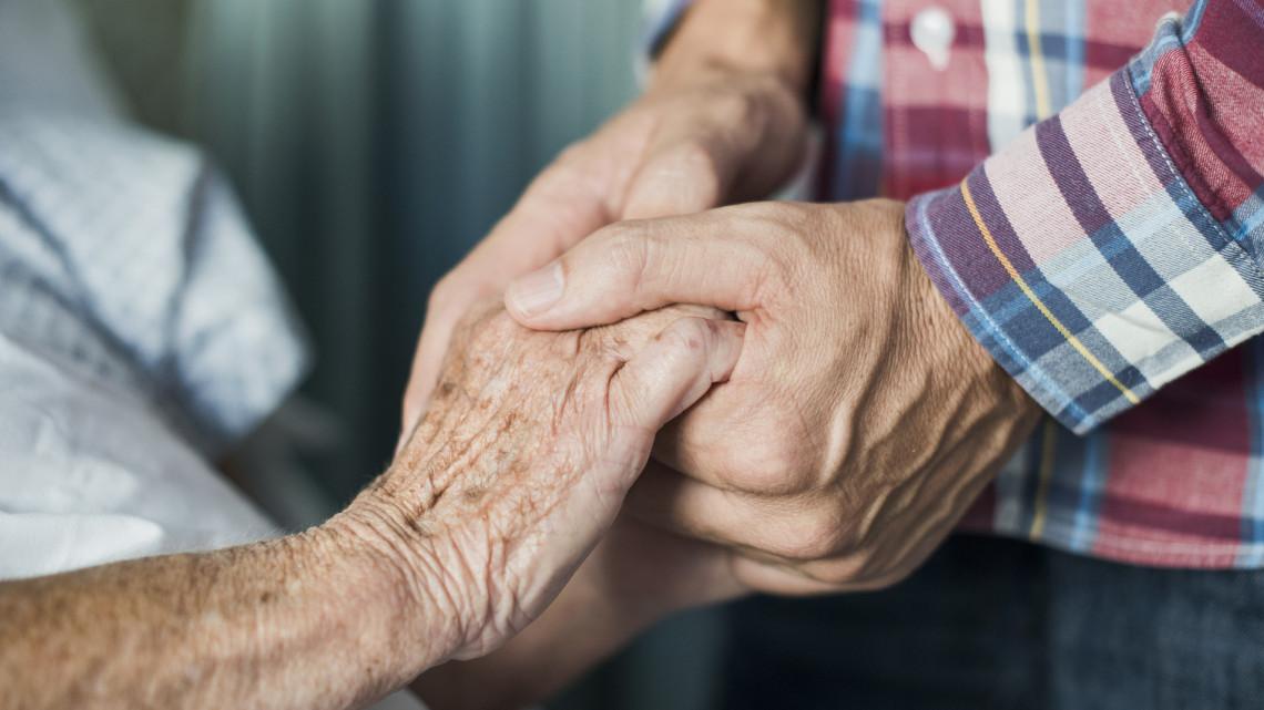Koronavírus: lesújtó hírt közölt a polgármester a borsodnádasdi idősotthonról