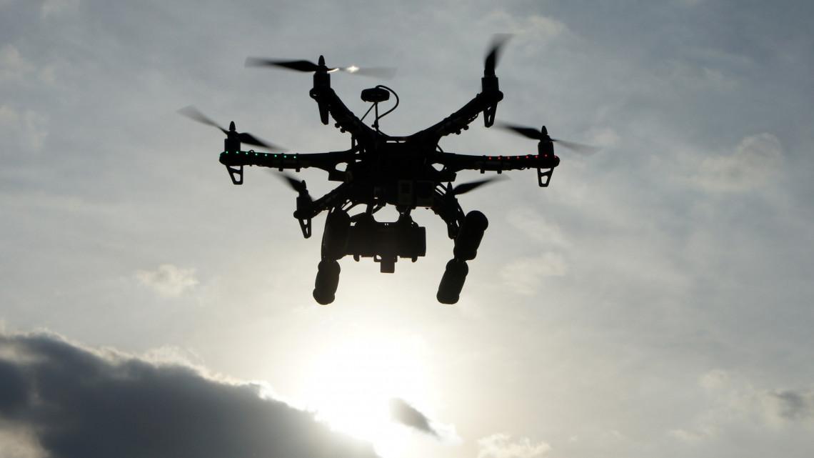 Koronavírus: drónnal csapnak le a szabályszegőkre Szolnokon + FOTÓ