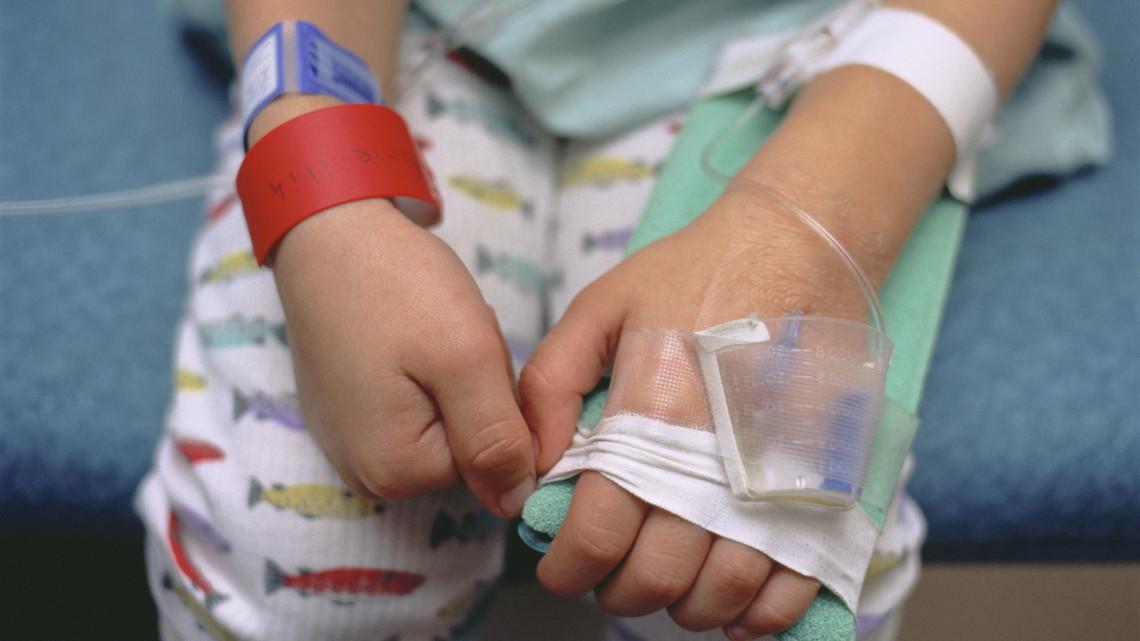 Egy kétéves gyerek kapta el a koronavírust: ő a legfiatalabb hazai fertőzött