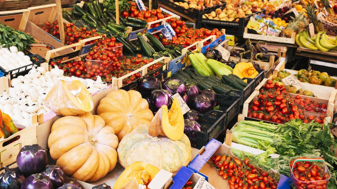 Drasztikus szigorítás: csak így vásárolhatunk a vidéki piacokon