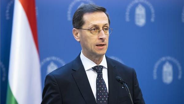 Újabb változásokról döntött a kormány: tovább csökkentik az adóterheket