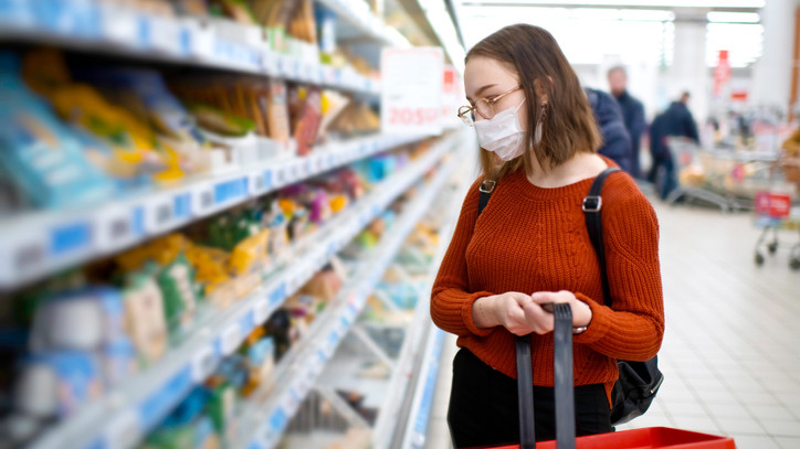 Meglépték a magyar boltok: egyre több helyen védik így a vásárlókat