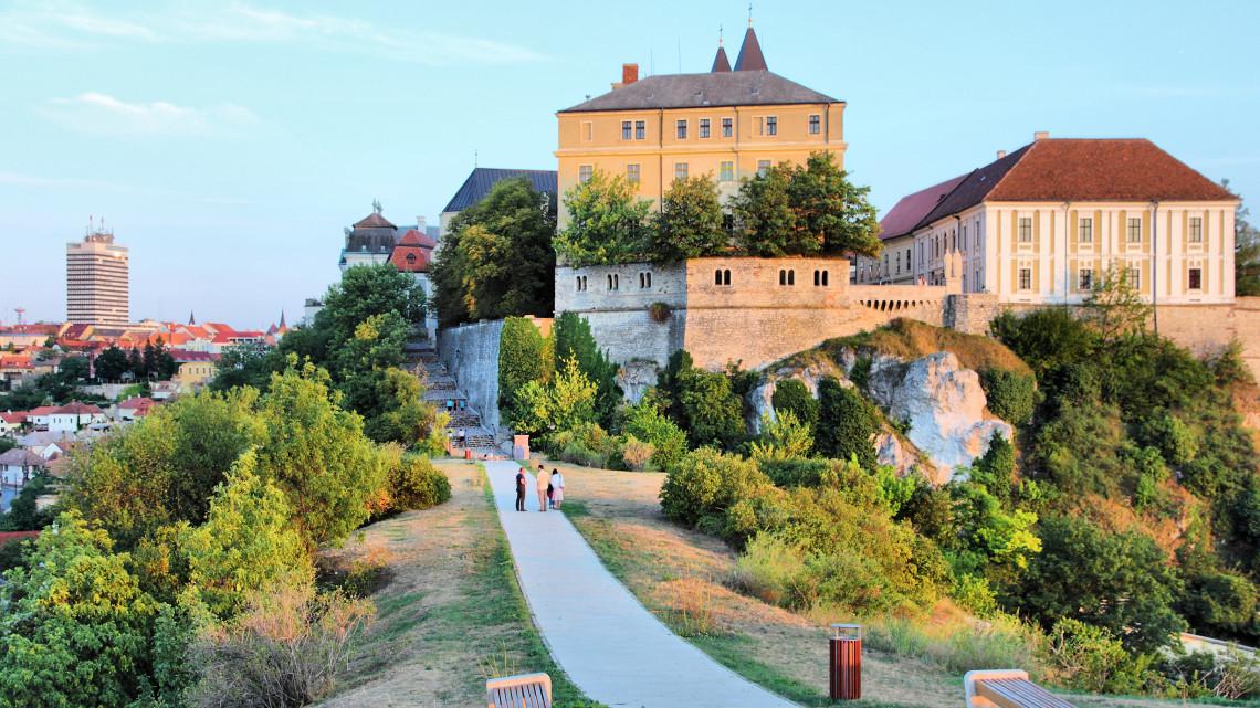Megszólalt a kormánybiztos: veszélyben Veszprém Európa Kulturális Fővárosa címe?