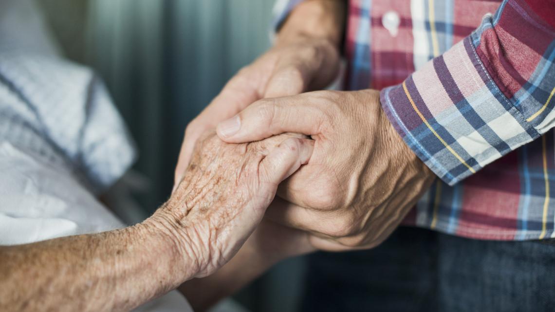 Hihetetlen összefogás: értékes adománnyal segítik az időseket a kis községben