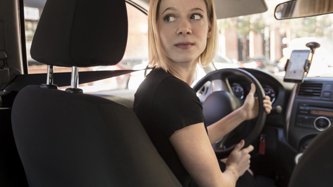 Tönkre teheti az autónkat a kijárási korlátozás: így előzhetjük meg a bajt