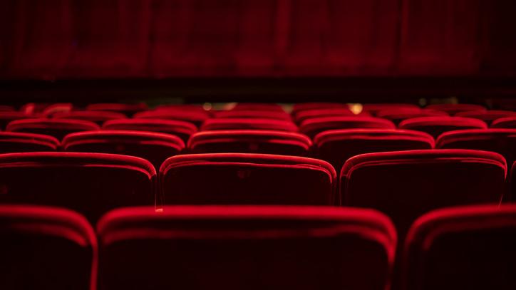 Jókor jött mentőcsomag: ennyit fizet művészeinek a dunaújvárosi színház