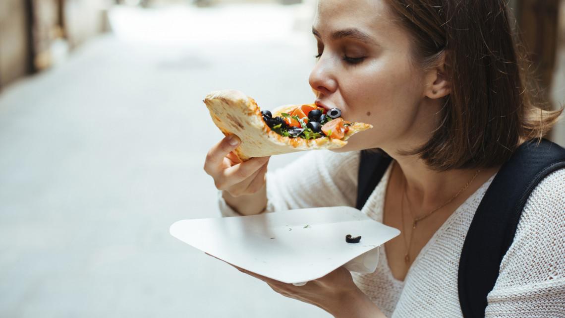 Lecsaptak a Heves megyei pizzériára: szörnyű körülmények között készültek az ételek